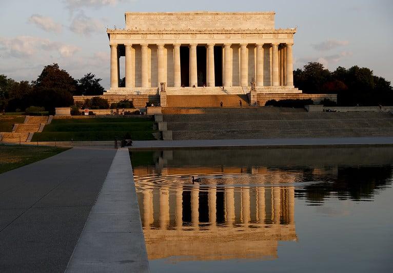 Klotter på USA-monument